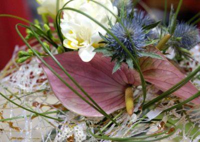 composizione di sandy canova il fiore all'occhiello