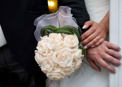 Bouquet matrimonio con sposi