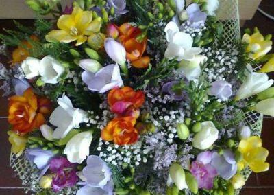 composizione di fiori per compleanno