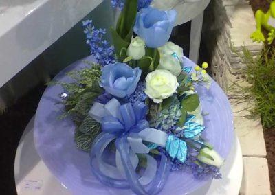 composizione fiori viola del fiore all'occhiello